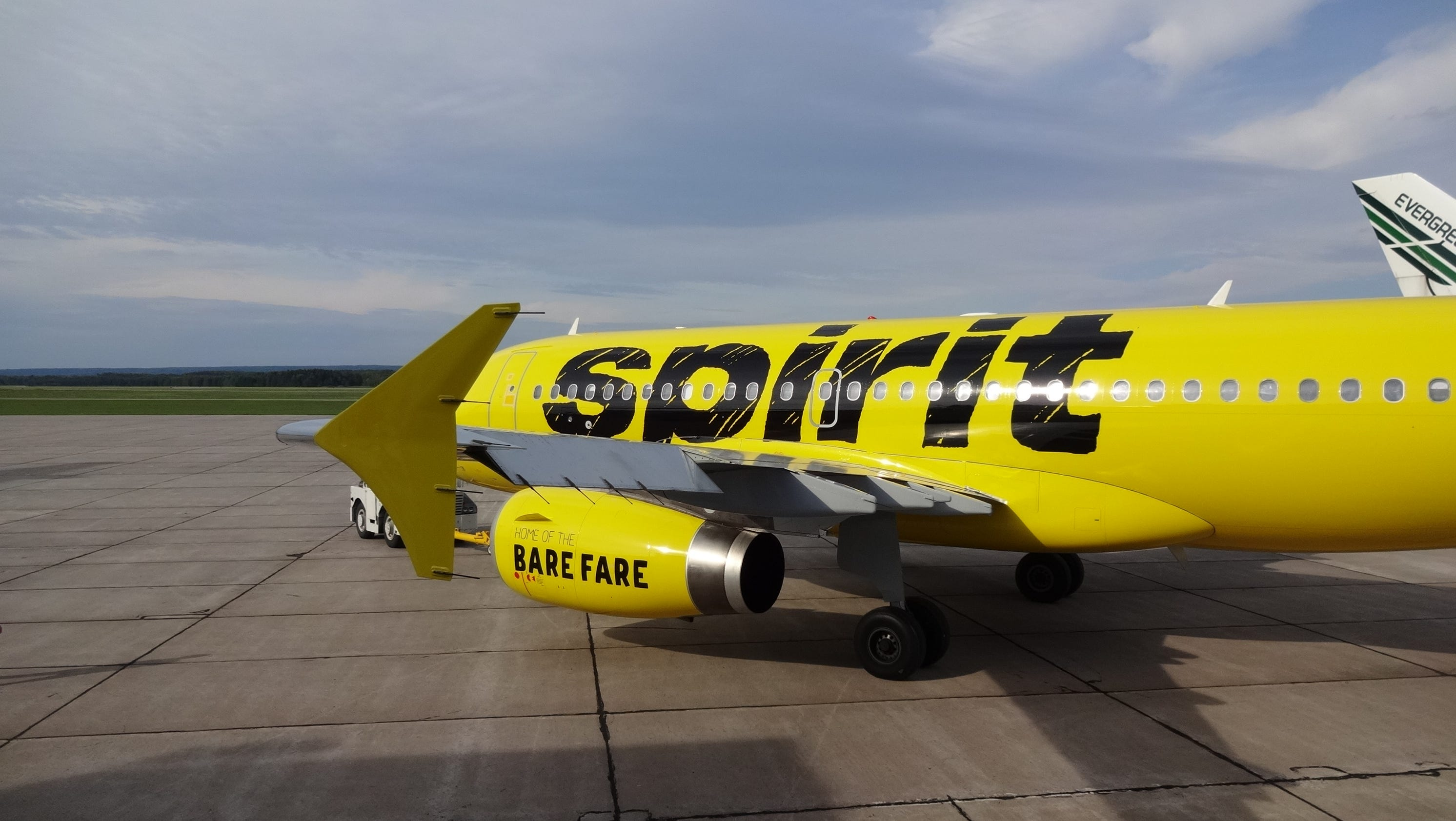 Spirit airlines flight from las vegas delayed by naked for Book a flight with spirit airlines