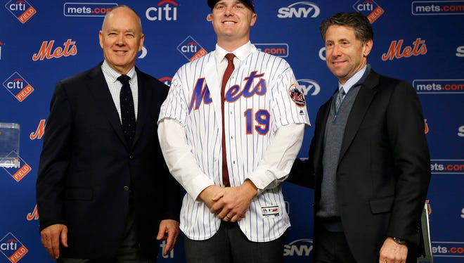 Sandy Alderson (l), Jay Bruce (m) and Jeff Wilpon (r)