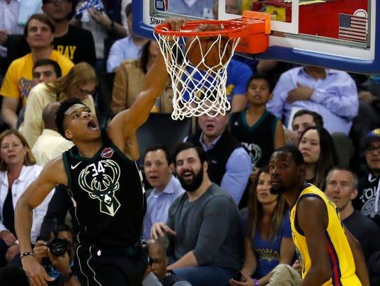 Milwaukee Bucks at Golden State Warriors
