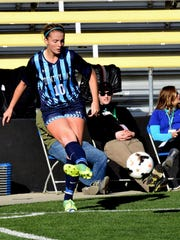 Olivia Brown of Cincinnati Country Day passes off to an Indian teammate at MAPFRE Stadium, November 12, 2016.