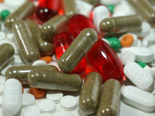 636419546560498626-capsules-385949-1920.jpg