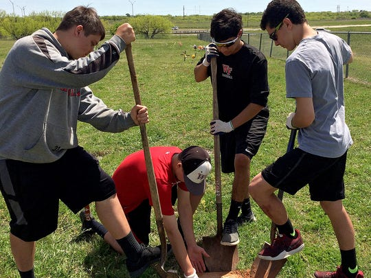 A group of Wichita Falls High School students work