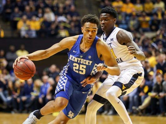 PJ Washington drove for a basket versus West Virginia