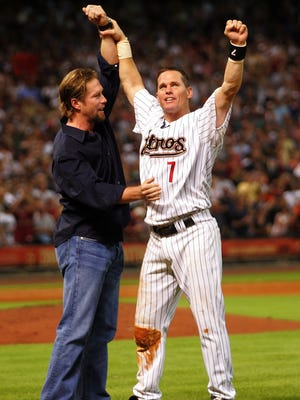 Craig Biggio, right, will likely earn induction to the Hall of Fame in his second time on the ballot, while Jeff Bagwell's case will be closer.