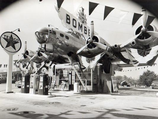 B-17 Bomber LEDE.jpg