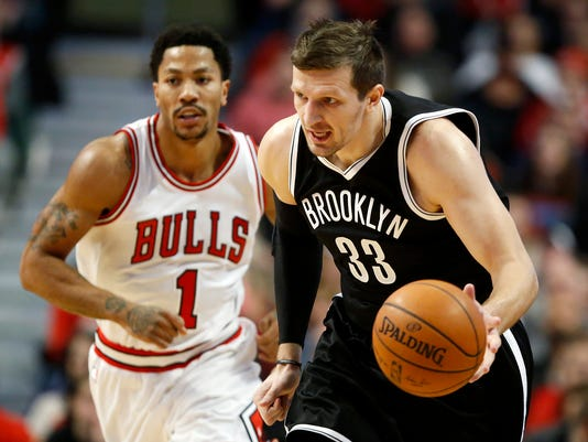 Mirza Teletovic, Derrick Rose