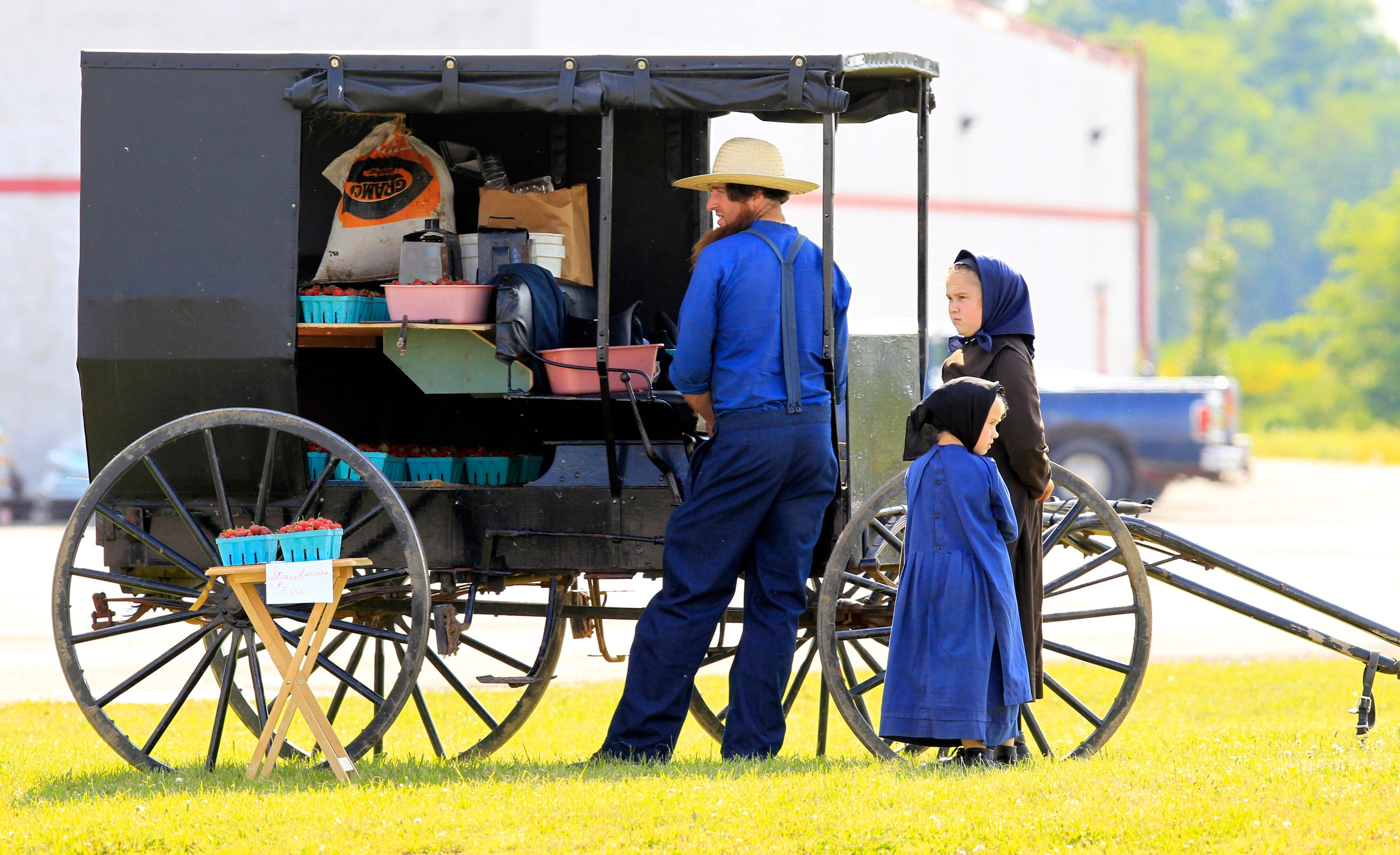 how to become amish mennonite