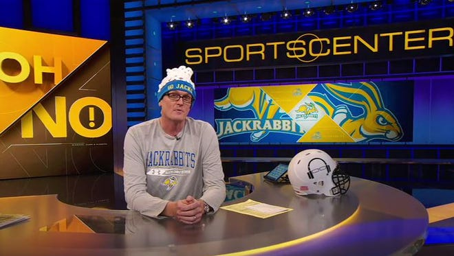 Scott Van Pelt apologizes to SDSU on Sports Center on Wednesday, March 16, 2016.