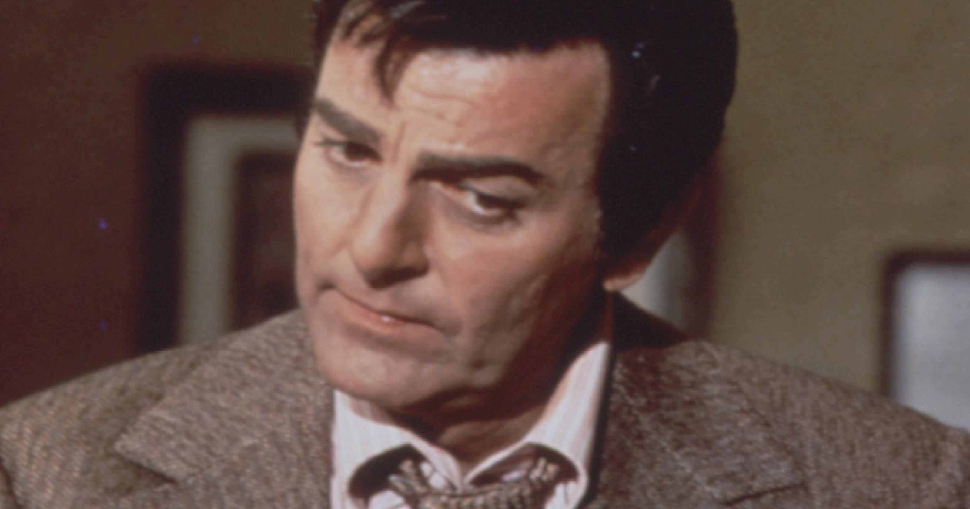 Mike Connors, TV's 'Mannix,' dies at age 91