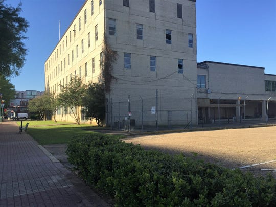 Plans are in the works to redevelop the old federal courthouse and surrounding properties in downtown Lafayette, Louisiana.
