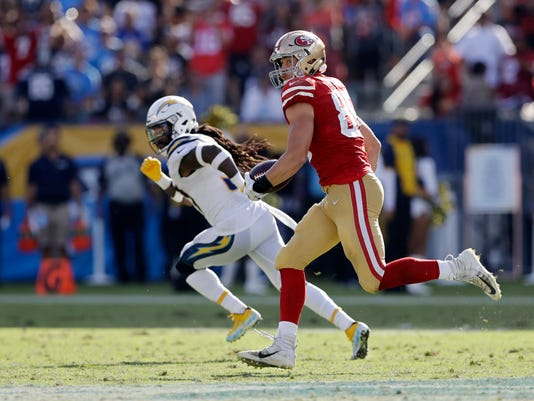 49ers_Chargers_Football_53121.jpg