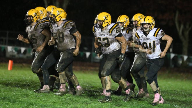 Cascade defeats North Marion 12-3 in an Oregon West Conference game on Friday, Oct. 21, 2016.                                                                                                                  Cascade defeats North Marion 12-3 in an Oregon West Conference game on Friday, Oct. 21, 2016.