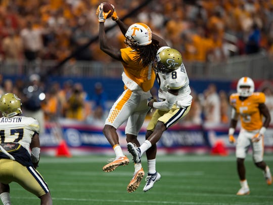 Tennessee wide receiver Marquez Callaway (1) makes a catch during the Chick-fil-A Kickoff Game at the Mercedes-Benz Stadium in Atlanta on Monday, Sept. 4, 2017.