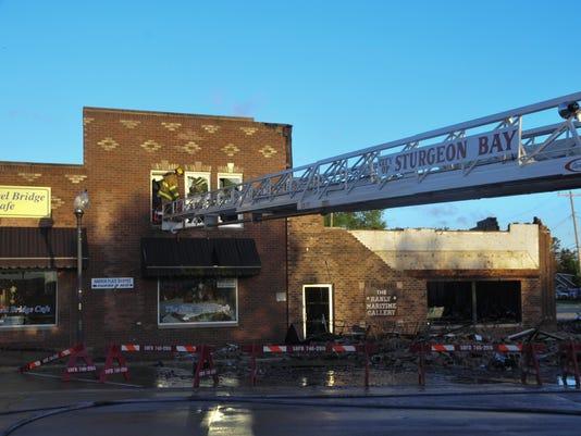 DCA 0702 Steel Bridge Cafe fire 1.jpg