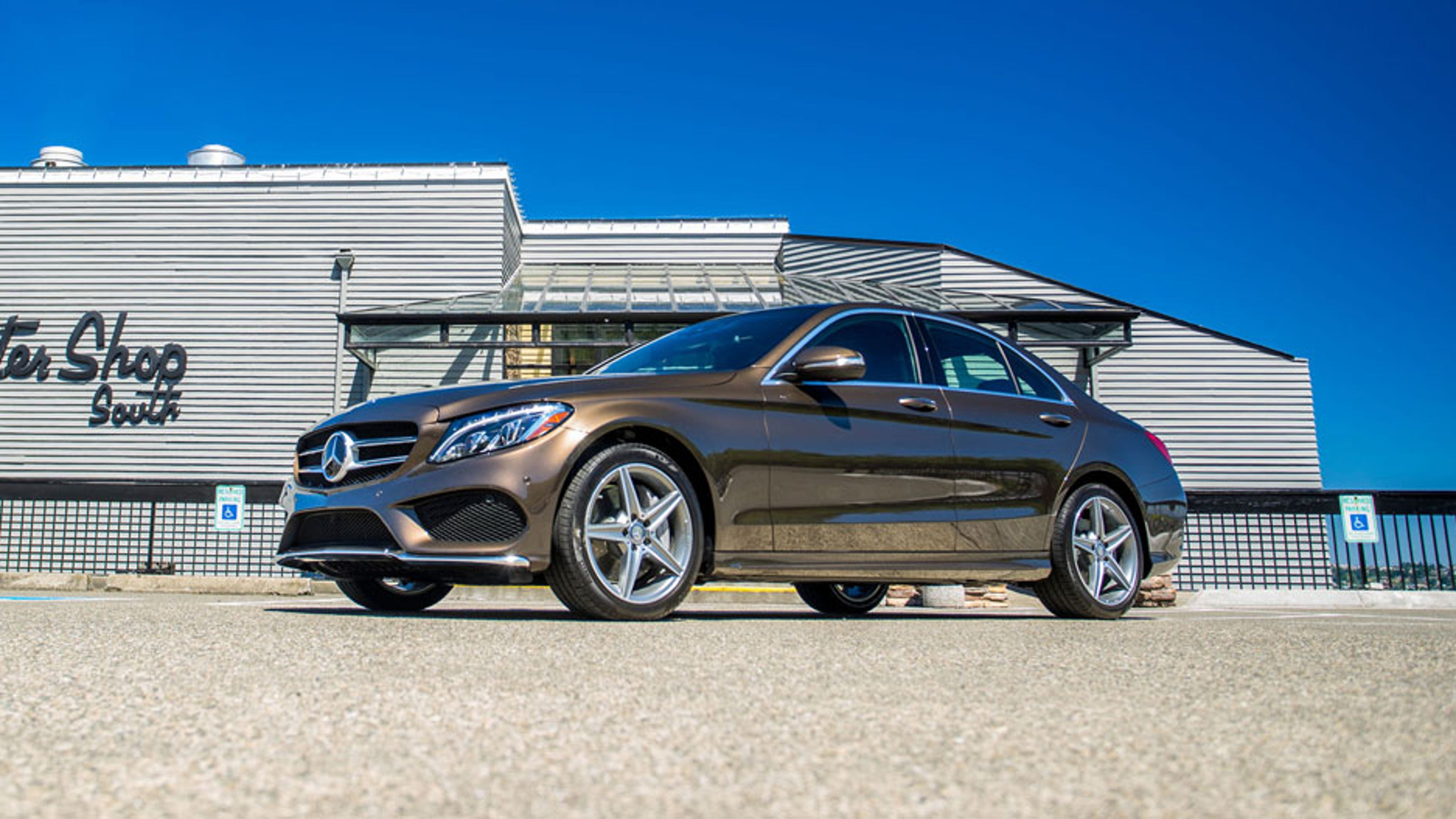 Mercedes recall includes 10 500 c class cars in u s for Recall on mercedes benz c300