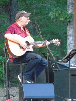 Grammy winner Bill Whyte offers a unique music/comedy performance recently at HSV's Rock Porch Session.