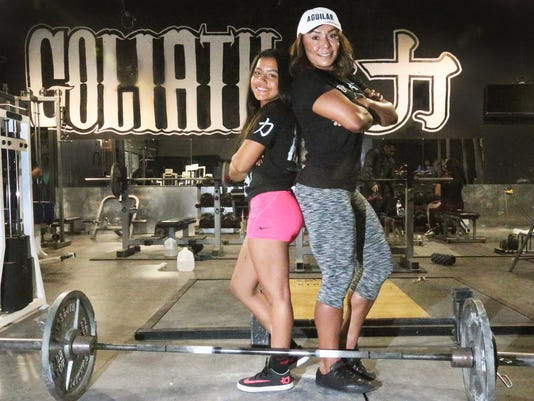 El Paso teen sets powerlifter records in 2 states