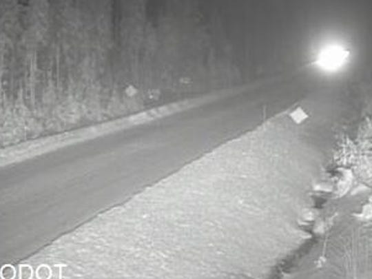 Hwy 20 remains icy over Santiam Pass Tuesday morning.
