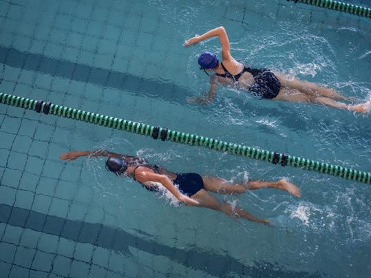 swimming-girls