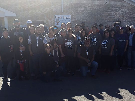 Group photo of volunteers  and staff who served Thanksgiving