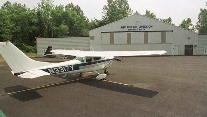 A small plane has crashed shortly after taking off from a northern New Jersey airport.