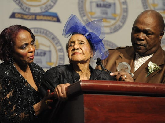 Emma Didlake is flanked by her granddaughter Marilyn Whitt-Horne and the Rev. Wendell Anthony in 2013 at the annual NAACP Fight for Freedom Fund dinner in Detroit. Didlake died Sunday at 110 years old.