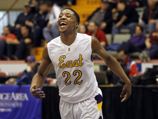 Dontay Caruthers averaged 28.5 points, 7 rebounds and