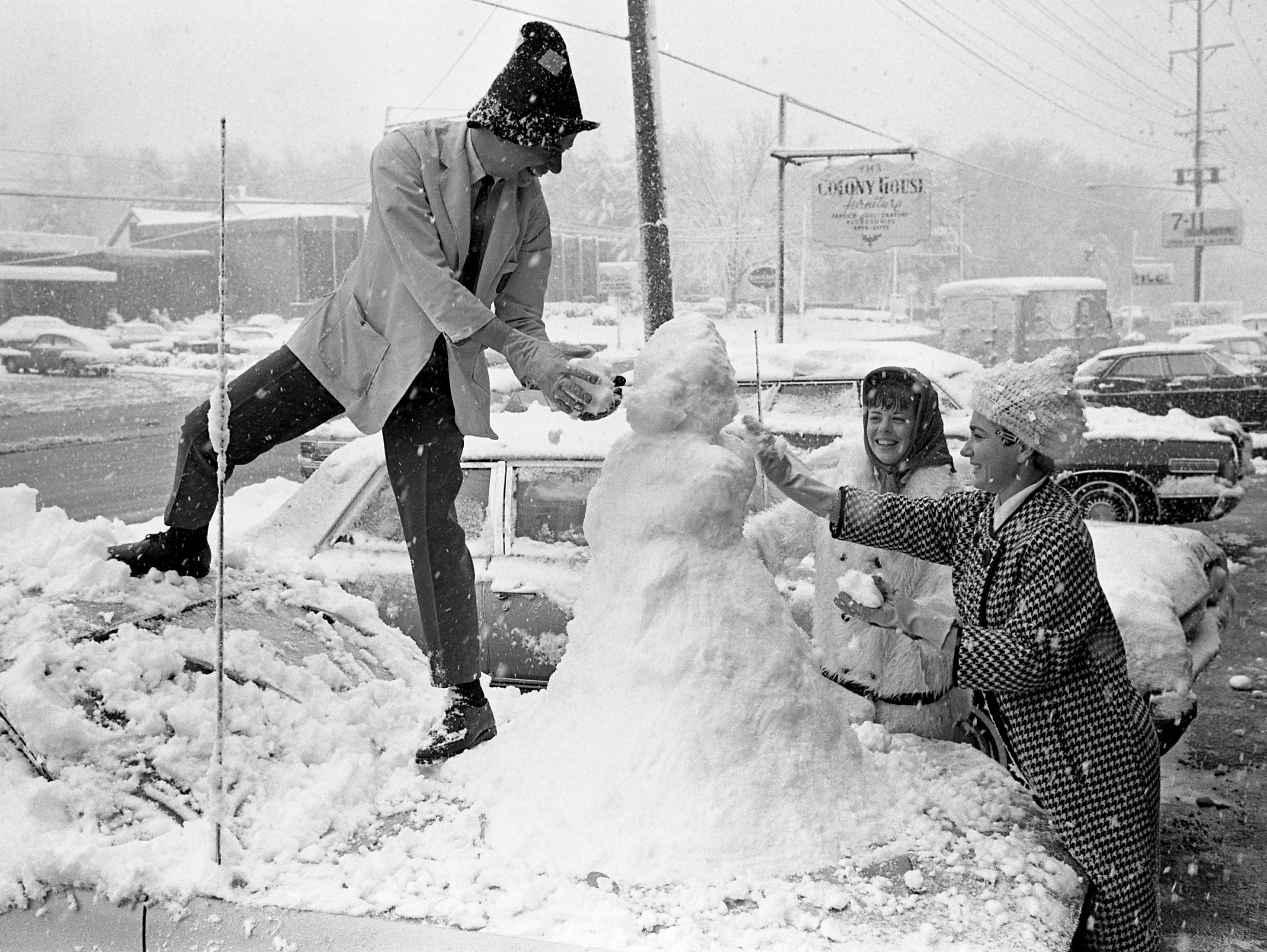 Take a look back at Nashville history with photos of a record snowfall in November 1966.