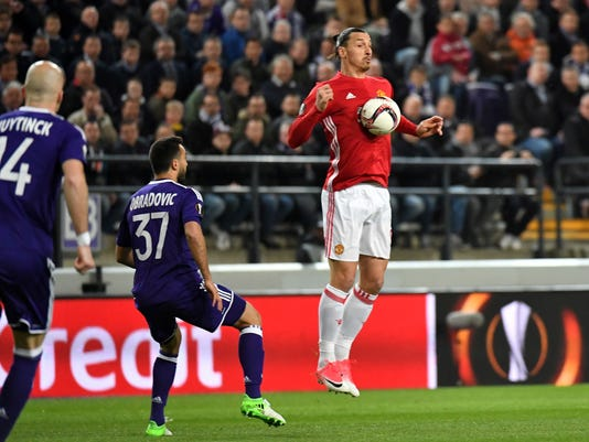 United's Zlatan Ibrahimovic, right, controls the ball during a Europa League quarterfinal first leg soccer match between Anderlecht and Manchester United at the Constant Vanden Stock stadium in Brussels, Thursday, April 13, 2017. (AP Photo/Geert Vanden Wijngaert)