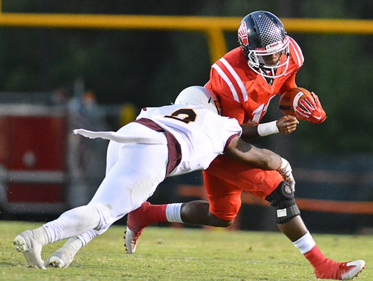 Former Center Hill QB Danterius Ellington is a second-team junior college all-American.