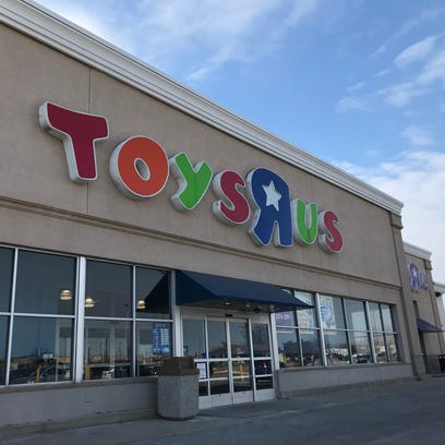 The Buzz: Toys R Us to close US stores. Gift cards good for the next 30 days