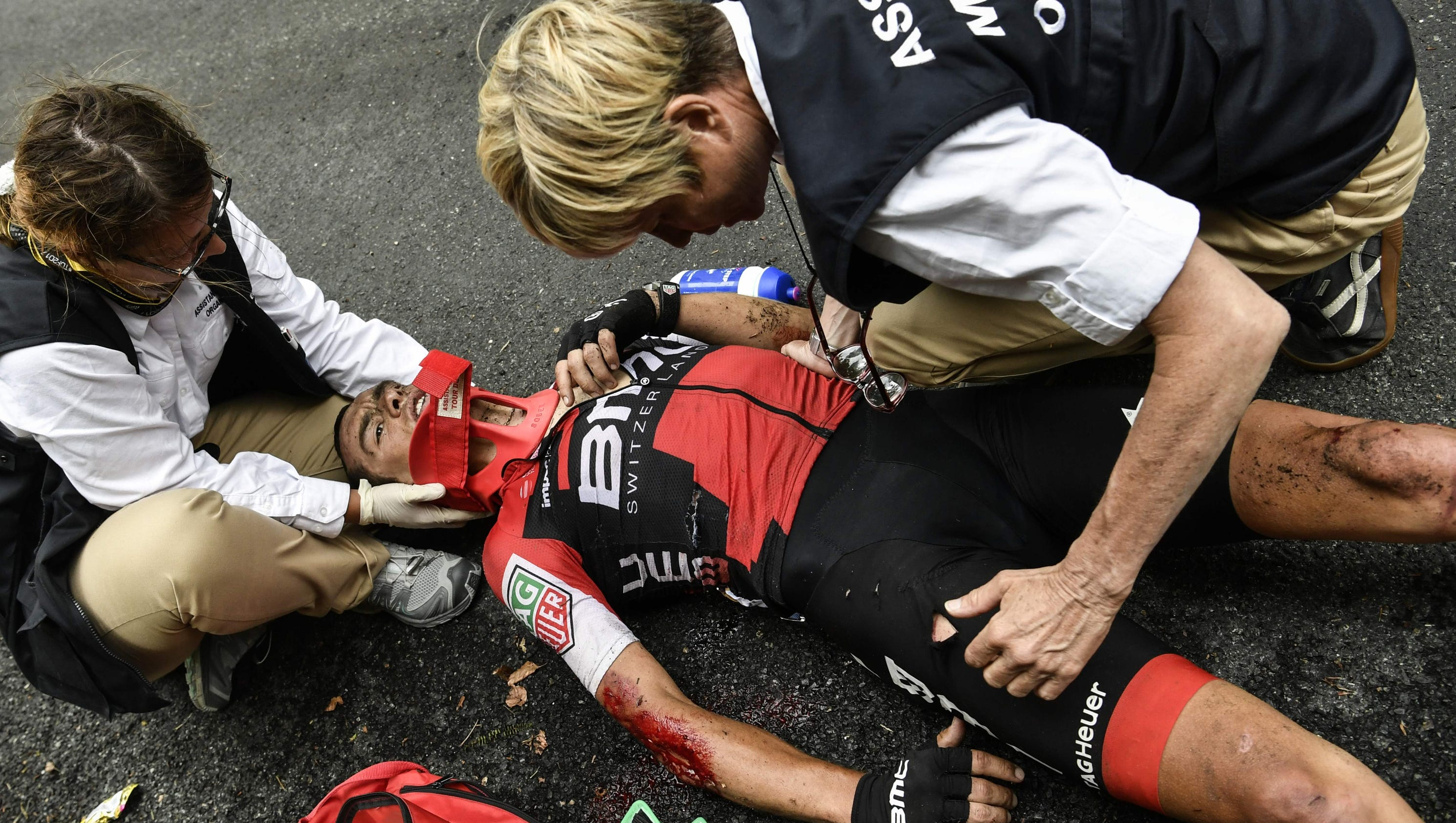 Richie porte in terrifying high speed crash in tour de france for Richie porte crash