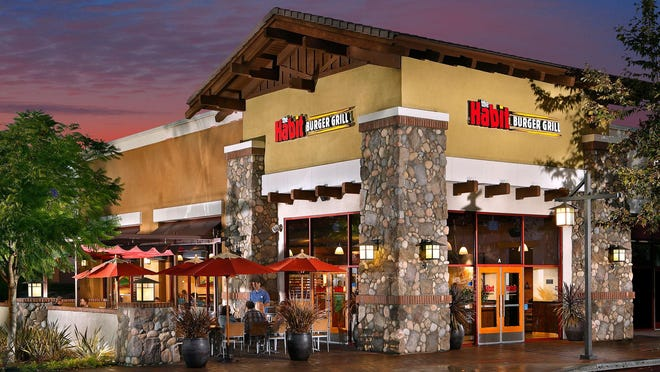 On Monday night, Tulare police were called to The Habit Burger Grill on Prosperity Avenue for reports ofa robbery.