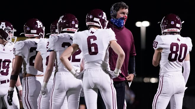 Austin High head coach Mike Rosenthal led the Maroons to a 56-28 win over San Marcos Friday.