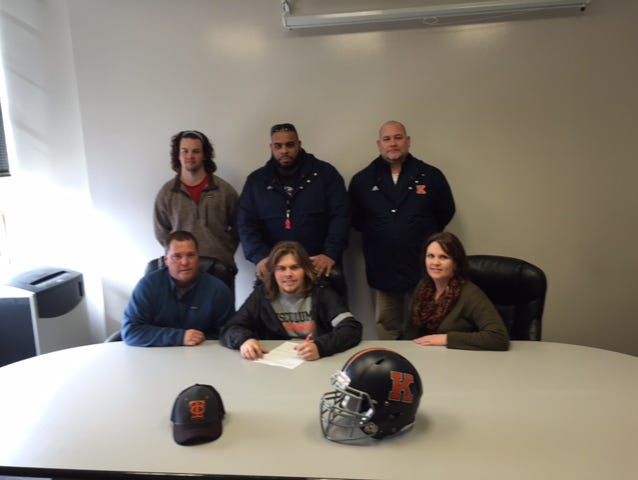 Zach Redden, Roane County HS, signs with Tusculum College for football