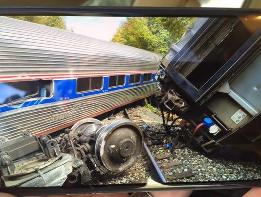635796456295944584-Train-contrib-1
