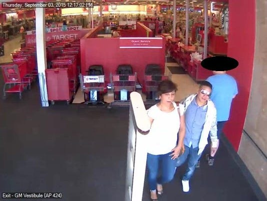 635810350813420559-Pickpockets-Suspects-Target