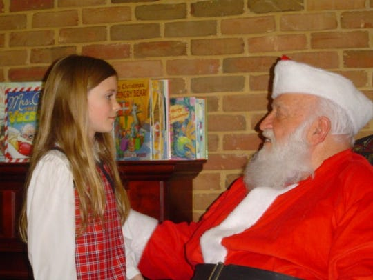 Meet Santa, make crafts, listen to a story and eat