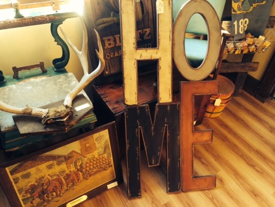 Some vintage items for sale at Cranberry Creek Antiques