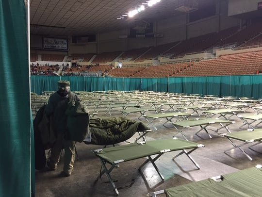 Volunteer prepares for Maricopa County Stand Down on