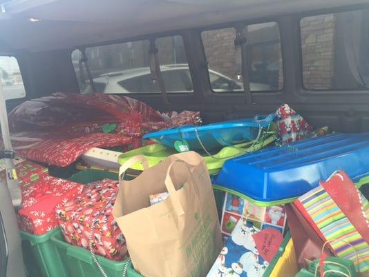 636177782361913436-PP-Van-loaded-with-gifts.JPG
