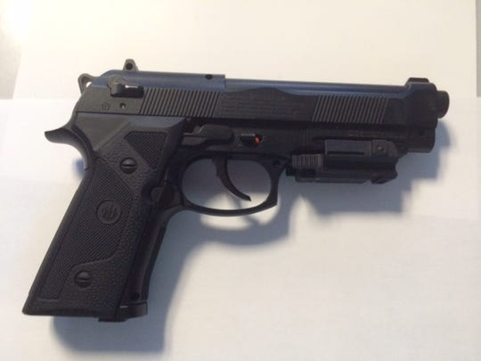 Douglass Peck is accused of pointing this pellet gun at officers on the walkway of the upper level of the George Washington Bridge.