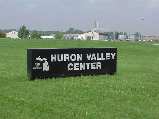 636324424730455379-Women-s-Huron-Valley.jpg