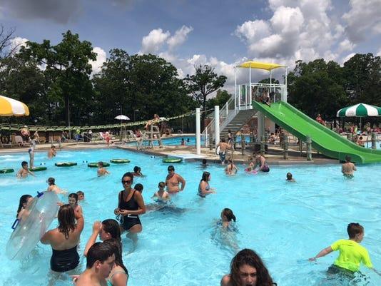 Lincoln Park Marion Aquatic Center.JPG