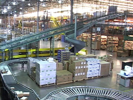A conveyor system at one of omnichannel commerce technology company Radial's fulfillment centers.