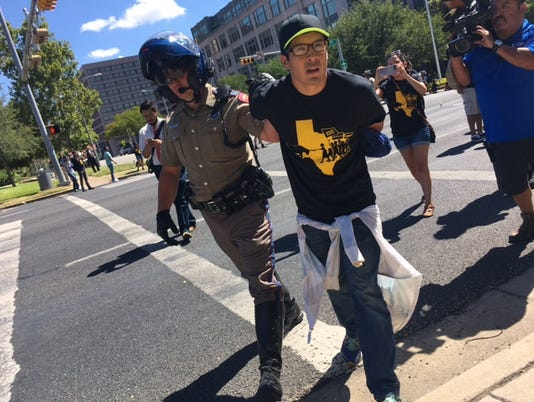 636366782198191515-protest3.jpg