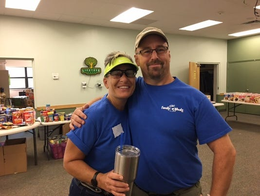 636372083694926837-0807-FAM-MEALS-lori-and-paul-summer-outreach-2017.jpg