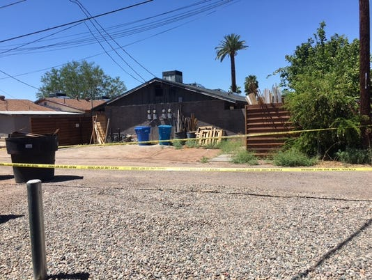 Dead body found in Phoenix alley