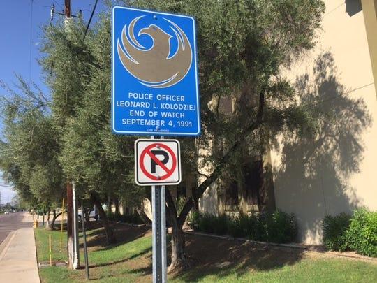 Memorial marker for Phoenix Police Officer Leonard