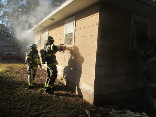636452263088417645-Huntingdon.controlled-burn-003.jpg